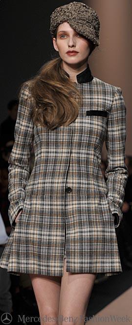 Model iz kolekcije DKNY