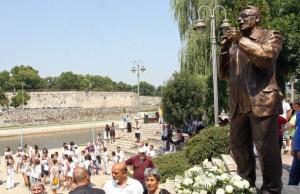 Spomenik Šabana Bajramovića u Nišu