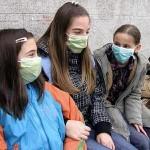 Deca sa maskama